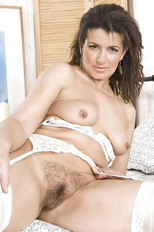 Nude Hairy Pussy Pics