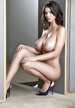 Beautiful Nude Women Pics