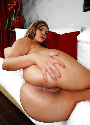Nude Booty Pics
